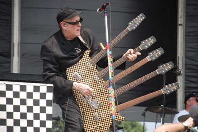 rick_nielsen-5-neck-guitar