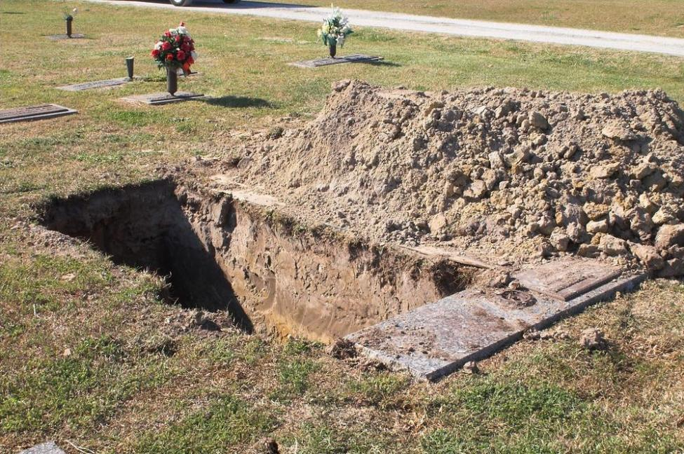 Gravediggers-in-Hungary-compete-in-first-national-grave-digging-contest
